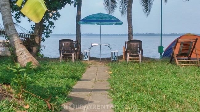 Lake View Holiday Home, Kochi