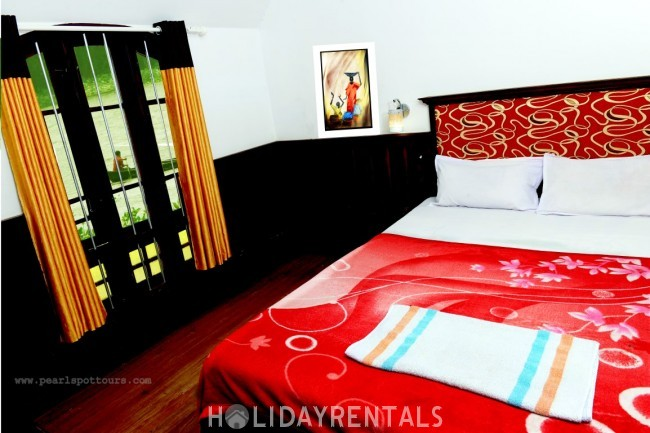 3 Bedroom Houseboat, Alleppey