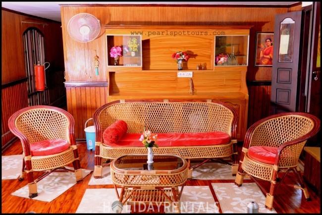 3 Bedroom Houseboat, Alleppey