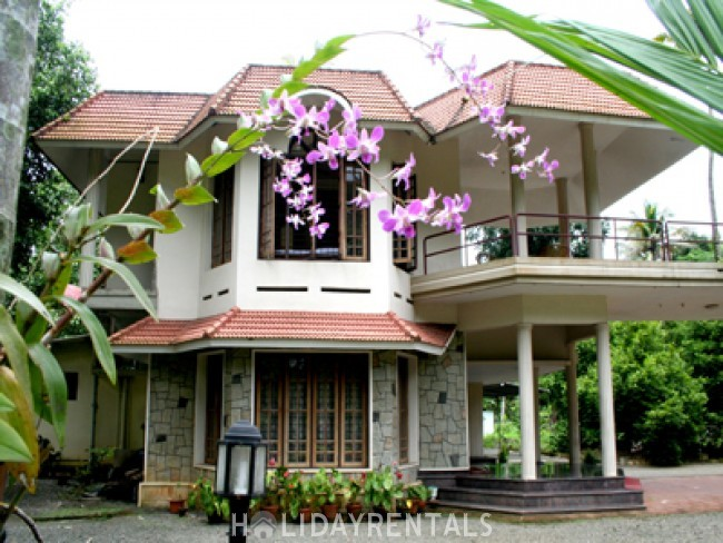 4 Bedroom Holiday Home, Kottayam