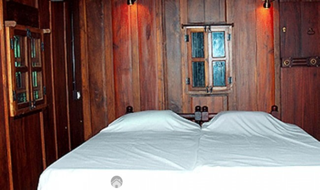 Wood Cottage Near Arthunkal Beach, Alleppey