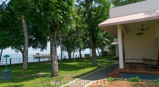Lake View Cottage, Kottayam