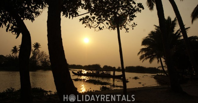 Backwater View Home, Kottayam