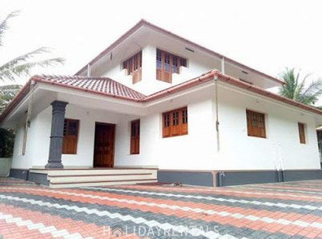4 Bedroom Holiday Home, Wayanad