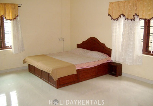 4 Bedroom Holiday Home, Thekkady