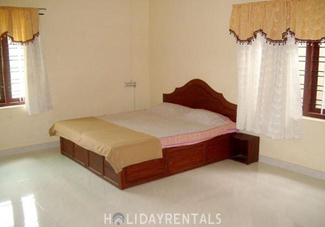 4 Bedroom Holiday Home, Thekkady