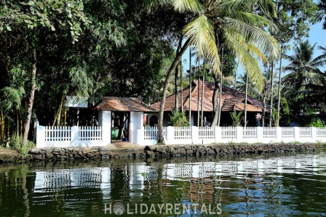 Backwater Frontage Stay, Alleppey