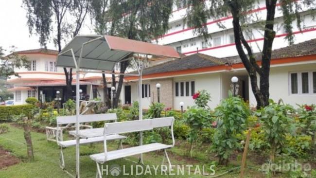 Stay near Kannan Devan Hills, Idukki