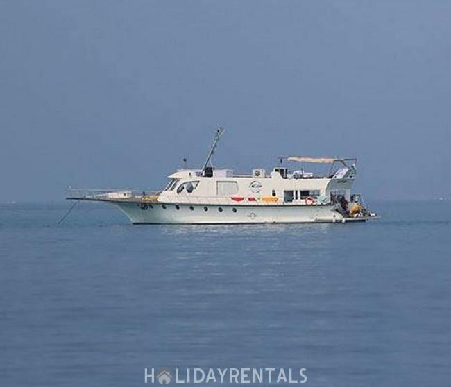 Yacht - Cruise boat, Kochi