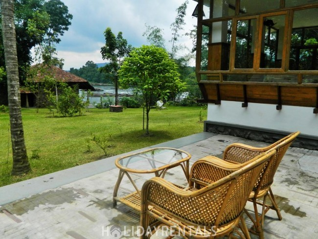 River View Holiday HomeStay, Ernakulam