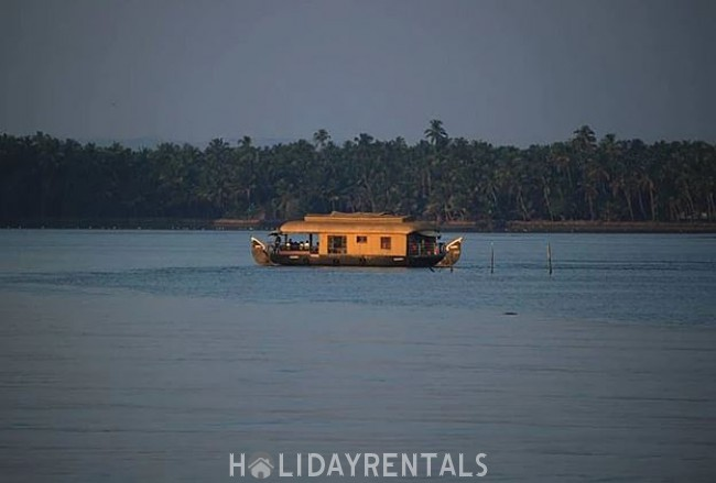 Beach Side Holiday Home, Kasargod