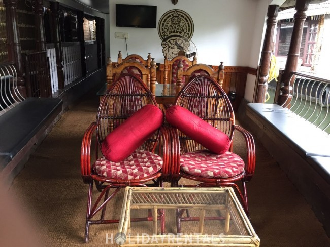 One Bedroom Houseboat, Alleppey