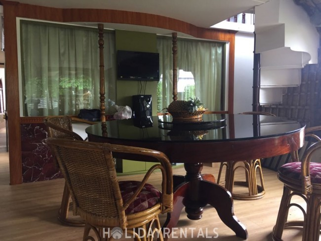 3 Bedroom Upper Deck Houseboat, Alleppey