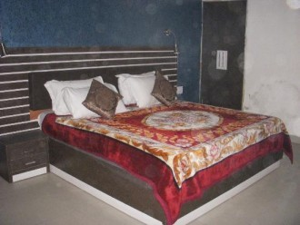 Surya Palace Guest House, Noida