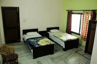 Yoga Niketan Guest House, Rishikesh