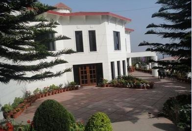 The Pine Crest Resort, Bhowali